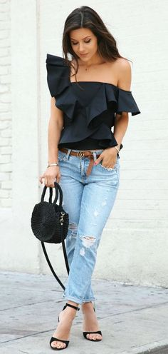 Photo Casual style addict / black one shoulder blouse + bag + rips + heels from Top 40 Simple Outfit Ideas to Upgrade Your Look This Spring 2018 Casual Outfits, Cute Outfits, Fashion Outfits, Womens Fashion, Sexy Outfits, Woman Outfits, Fashion 2018, Ladies Fashion, Fashion News