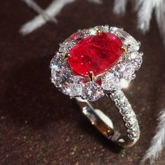 A stunning Pigeon's blood Ruby Ring from #PrimaGems #rubyring #pigeonblood #ruby #finejewellery #luxury #jewellery #siamparagon #emporium #1991