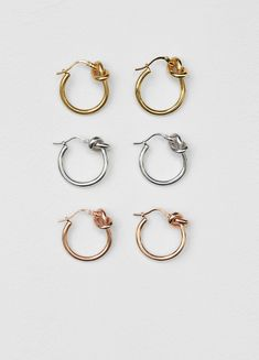 I like the knot in these earrings and the small size.