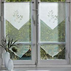 Deco-Express      ¿Te aburriste de las cortinas que hace tiempo no cambias? ¿Tienes una puerta antigua en la entrada de tu hogar? En e...