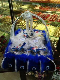 Sünnet süsü Baby Batman, Wedding Favours, Kids Fashion, Christmas Ornaments, Holiday Decor, Children, Jewlery, Greek, Decoration