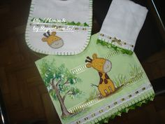 LOY HANDCRAFTS, TOWELS EMBROYDERED WITH SATIN RIBBON ROSES: Conjunto em Patch Apliquê para MENINO