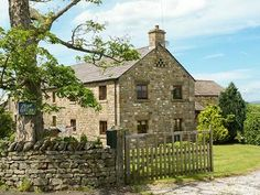 This barn accommodation sleeps eight people in four bedrooms and features an outdoor enclosed Summer room with a patio, hot tub and spacious lawned grounds. Yorkshire Dales, North Yorkshire, Dog Friendly Holiday Cottages, Luxury Accommodation, Catering, Barn, Patio, House Styles, Outdoor