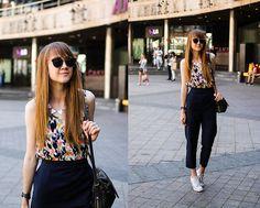 Promod Top, Converse White Sneakers, Dresslink Sunglasses