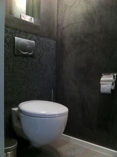 Betonlook badkamer, beton vloer, betonlook tegels, hout, wit ...