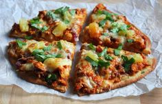Ellan reseptit: Naan-pizza tulisella kanatäytteellä