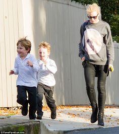 Cate Blanchett wears the coolest 'school run' attire ever! #streetstyle