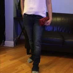"""American Eagle Skinny jeans The Skinny jeans are in great condition. Size 2 regular Inseam """"29.5. American Eagle Outfitters Jeans Skinny"""