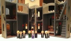 Hogwarts doll house and peg people - TOYS, DOLLS AND PLAYTHINGS