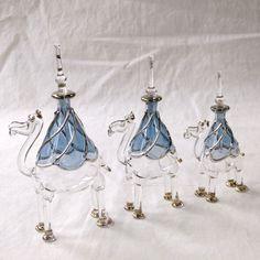 エジプト香水瓶・手吹きガラスの工芸品/ラクダ3頭セットブルー