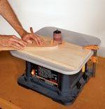 sanding radius jigs for drum sanding Woodworking Table Saw, Woodworking Saws, Woodworking Workshop, Woodworking Projects Plans, Woodworking Patterns, Carpentry, Work Basics, Woodsmith Plans, Router Jig