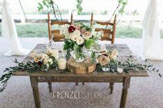 Minimal & romantic sweetheart table decor #cedarwoodweddings Justine+Randy by Frenzel Studios | Cedarwood Weddings