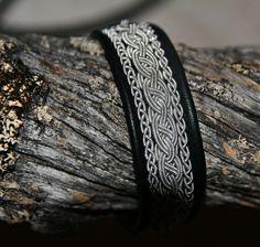 Scandinavian Bracelet – Amazing Homes Bracelets For Men, Silver Bracelets, Bangles, Viking Bracelet, Bone Jewelry, Wire Weaving, Jewelry Branding, Leather Craft, Scandinavian
