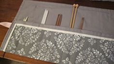 The Gauge Wars: Super Simple Knitting Needle Case Tutorial - says it takes about half an hour to make! Knitting Projects, Sewing Projects, Projects To Try, Sewing Ideas, Knitting Needles, Simple Knitting, Crochet Needles, Crochet Stitches, Knit Crochet