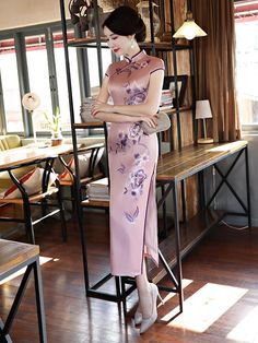 Style Chinois, Light Purple Flowers, Cheongsam Dress, Poker Online, Oriental Fashion, One Piece Swimwear, Red Lace, Chinese Style, Traditional Dresses