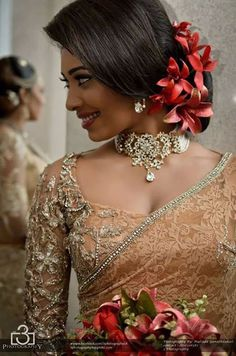new Ideas south indian bridal hairstyles wedding hairs asian bride Simple Bridal Hairstyle, Bridal Hair Buns, Bridal Hairdo, Hairdo Wedding, Indian Wedding Hairstyles, Asian Bridal Hair, Wedding Makeup, Wedding Blog, Destination Wedding