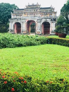 The Imperial City of Hue, Vietnam North Vietnamese Army, Vietnam War, Natural Disasters, Day Tours, World Heritage Sites, Tour Guide, Over The Years, Hue, Taj Mahal