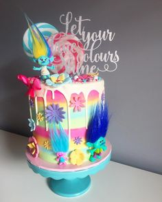 "1,124 ""Μου αρέσει!"", 20 σχόλια - BLONDE BAKING MAMA - Kate (@blondebakingmama) στο Instagram: ""Let your true colours shine. - Princess Poppy Troll  Amazing cake topper by @_etched and…"""