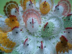 Eu ví tanta gente querendo e procurando o pap destas galinhas que até eu fiquei doidinha, risss. Elas surgiram na web antes da Páscoa, ...