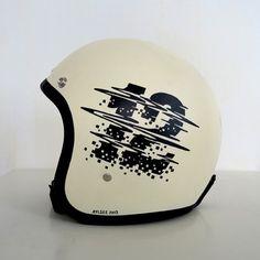 12 by Rylsee via Typostrate. Motorcycle Helmet Design, Motorcycle Gear, Motorcycle Helmets, Cafe Racer Helmet, Vintage Helmet, Vintage Racing, Moto Cafe, Helmet Paint, Custom Helmets