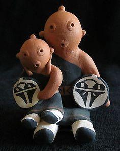 Hopi Pottery Tony Dallas Mudhead Storyteller Shield 1 Child