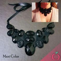 Lindo Maxi Colar para compor aquele look.  #maxicolar #maxicolares #acessórios #bijus #bijouterias #pedras