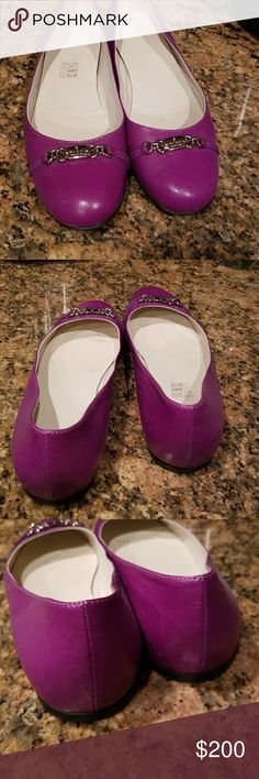 Gucci ballet flats. FREE COLE HAHN HANDBAG Gorgeous purple leather. Worn only a few times. IMMACULATE and gorgeous. Ladies 9b. Fit true to size. Stunning.no Mark's or defects. See photos. The little Mark's on bottom from paper towel. Shoes are like new condition. No lowballing please. Stored in custom shoe closet. Non smoking. I am also including a magenta and snake skin cole Hahn crossbody. With dustbag. Excellent condition. Matches shoes perfectly. No offers if you want bag. No exceptions…