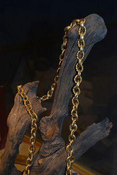 Tesoro procedente del buque Español Nuestra Señora de Atocha. Gold chain artifct from the Atocha.