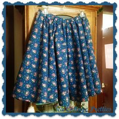 Tutorial How To Make an XL - Plus Sized Circle Skirt.   Four Panels.   Tea Cottage Pretties: A CIRCLE SKIRT FOR TIFFANY XL - PLUS SIZED CIRCLE SKIRT