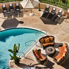 Who's enjoying this beautiful winter day? Enjoy the sun at our pool! #NewportBeach