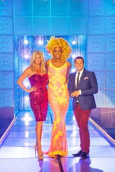 On Monday see extra-special guest judges Rachel Hunter and Ross Mathews on the RuPer sized RuPaul's All Stars Drag Race at 9/8c on Logo!