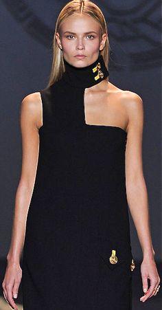 Versace  Repinned by www.fashion.net