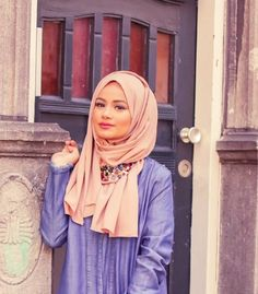 hijab, hijabi outfit, and scarf image