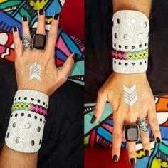 BRAZALETE❤PULSERA DE CUERO ♡pulsera en cuero con cinta wayuu , cristales y taches   #mardeamorsw #pulsera #pulseraswayuu #pulseras #pulserasdemoda #pulserasdecuero #manillasdecuero #manilla #manillas #manillaswayuu #manillasdemoda #brazaleteswayuu #brazelet #brazalete #brazaletes #brazalets #brazaletesdecuero #brazaletedecuero #wayuu #wayuustyle #wayuumochila #wayuubags #hippielife #hippiestyle #hippie #hippiegirl #hippiechic #bohogirl #africanleather
