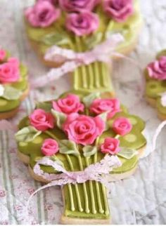 Posy Biscuits