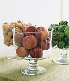 Bowl filled with apples, fruits, nuts as simple centerpieces Apple Centerpieces, Apple Decorations, Easy Christmas Decorations, Glass Centerpieces, Christmas Centerpieces, Festival Decorations, Centerpiece Decorations, Holiday Decor, Christmas Makes