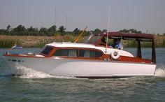 Cabin Cruiser, Chris Craft, Wooden Boats, Sailing, Heaven, Ships, Construction, Google Search, Water