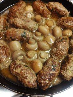 Mushroom meatballs - My WordPress Website Healthy Chicken Recipes, Crockpot Recipes, Cooking Recipes, Plats Ramadan, Mushroom Meatballs, Guisado, Algerian Recipes, Egyptian Food, Carne Picada