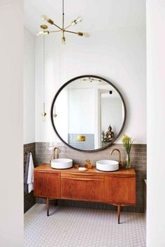 Minimalist vintage bathroom - Design duo Nicemakers have turned this classic but worn Dutch townhouse on Amsterdam's Amstel River into a vibrant family home. By Marc Heldens. Photographed by Alan Jensen. Retro Home Decor, Cheap Home Decor, Diy Home Decor, Bad Inspiration, Bathroom Inspiration, Bathroom Ideas, Mirror Inspiration, Bathroom Goals, Bathroom Trends