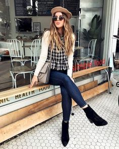 Frye company classy street style, casual school outfits, outfits with hats, Outfits With Hats, Fall Outfits, Fashion Outfits, Womens Fashion, Fashion Clothes, Fashion Fashion, Fashion Trends, Classy Outfits, Stylish Outfits