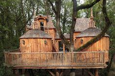 Château Hautefort - Cabin built into the tress of Nojals-et-Clotte, France.