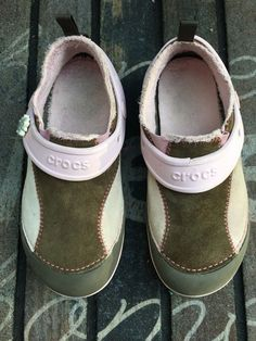 df6f915f06a Crocs Girls Leather Shoes Pink Brown With Suede Faux Fur Lining Size 2  Youth
