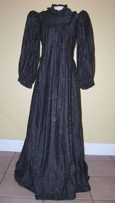 Victorian Maternity Dress   seller: This auction is for a Romantic Victorian maternity/day dress ...