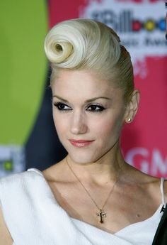 Gwen Stefani. Vintage Updo. Gorgeous Hairdo. I LOVE THIS.