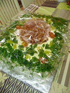 KeittiöKriitikko: Voileipäkakku 50 hengelle (kala ja kinkku) Sandwich Cake, Sandwiches, Savoury Baking, Kala, Seaweed Salad, Food Videos, Good Food, Food And Drink, Appetizers