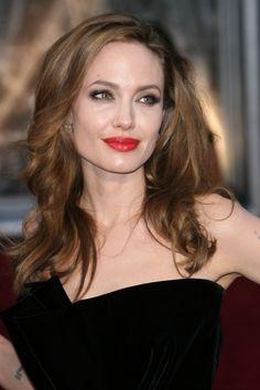 Should Angelina Jolie take more fashion risks?