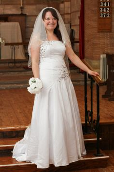 Clare Elizabeth To make an appointment to see our full collection please email Lynda at l.wodehouse@talk21.com