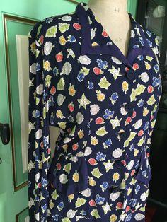 Een persoonlijke favoriet uit mijn Etsy shop https://www.etsy.com/listing/268367924/1940s-1930s-silk-ladies-suit-beautiful