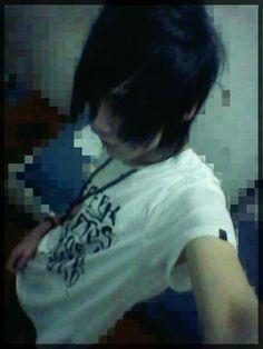 Love my hair :3  Mechlin Rómeó #emo #emoboy #boy #emos #emohair #hair #kawaii #cutie #longhair #longemohair