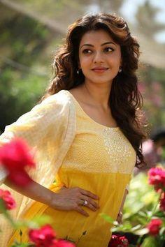 Kajal Agarwal Hot HD Photos in Saree - smart hindi help Kareena Kapoor, Priyanka Chopra, Deepika Padukone, Most Beautiful Indian Actress, Beautiful Actresses, Kajal, Beauty Shots, Beautiful Girl Image, Beautiful Ladies